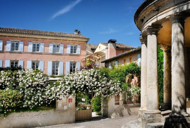 Hôtel Le Clair de la Plume à Grignan - 1