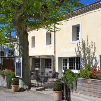 Hôtel-Restaurant le Champ de Mars à Puy-Saint-Martin - 1