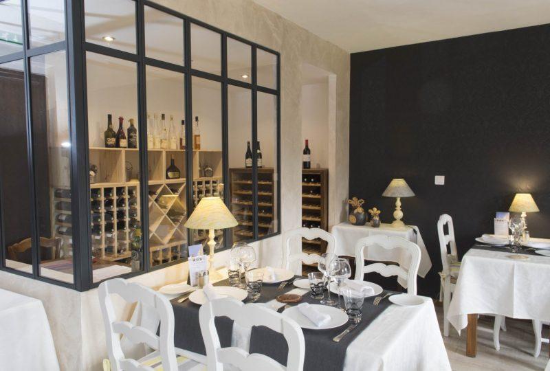Restaurant les Hospitaliers à Le Poët-Laval - 1
